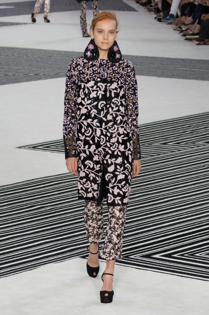 GIAMBATTISTA-VALLI-fall-2015-couture-the-impression-014