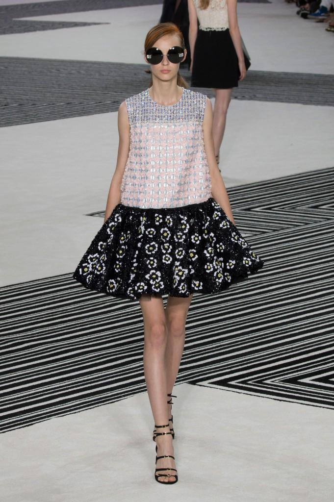GIAMBATTISTA-VALLI-fall-2015-couture-the-impression-019