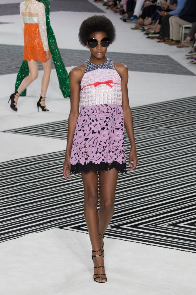GIAMBATTISTA-VALLI-fall-2015-couture-the-impression-024