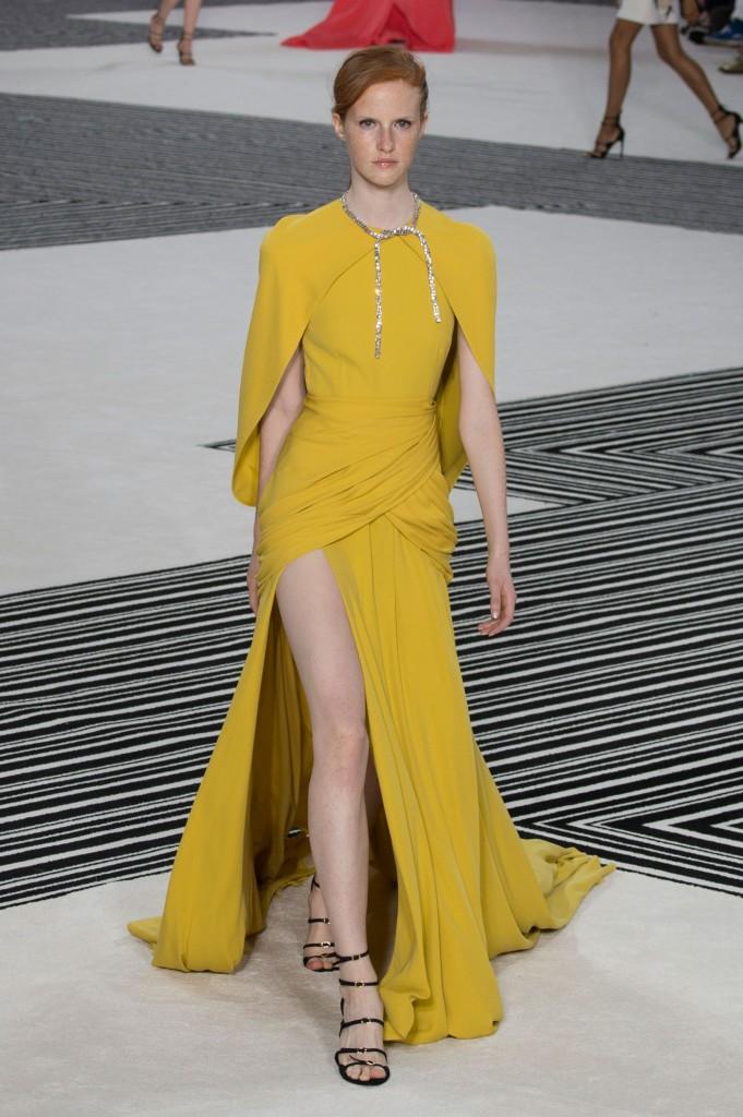 GIAMBATTISTA-VALLI-fall-2015-couture-the-impression-030