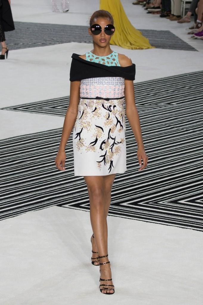 GIAMBATTISTA-VALLI-fall-2015-couture-the-impression-031