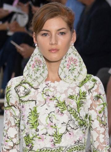 GIAMBATTISTA VALLI Fall 2015 Couture fashion show photo
