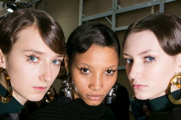 Mari Spring 2016 Fashion Show Backstage beauty Photo