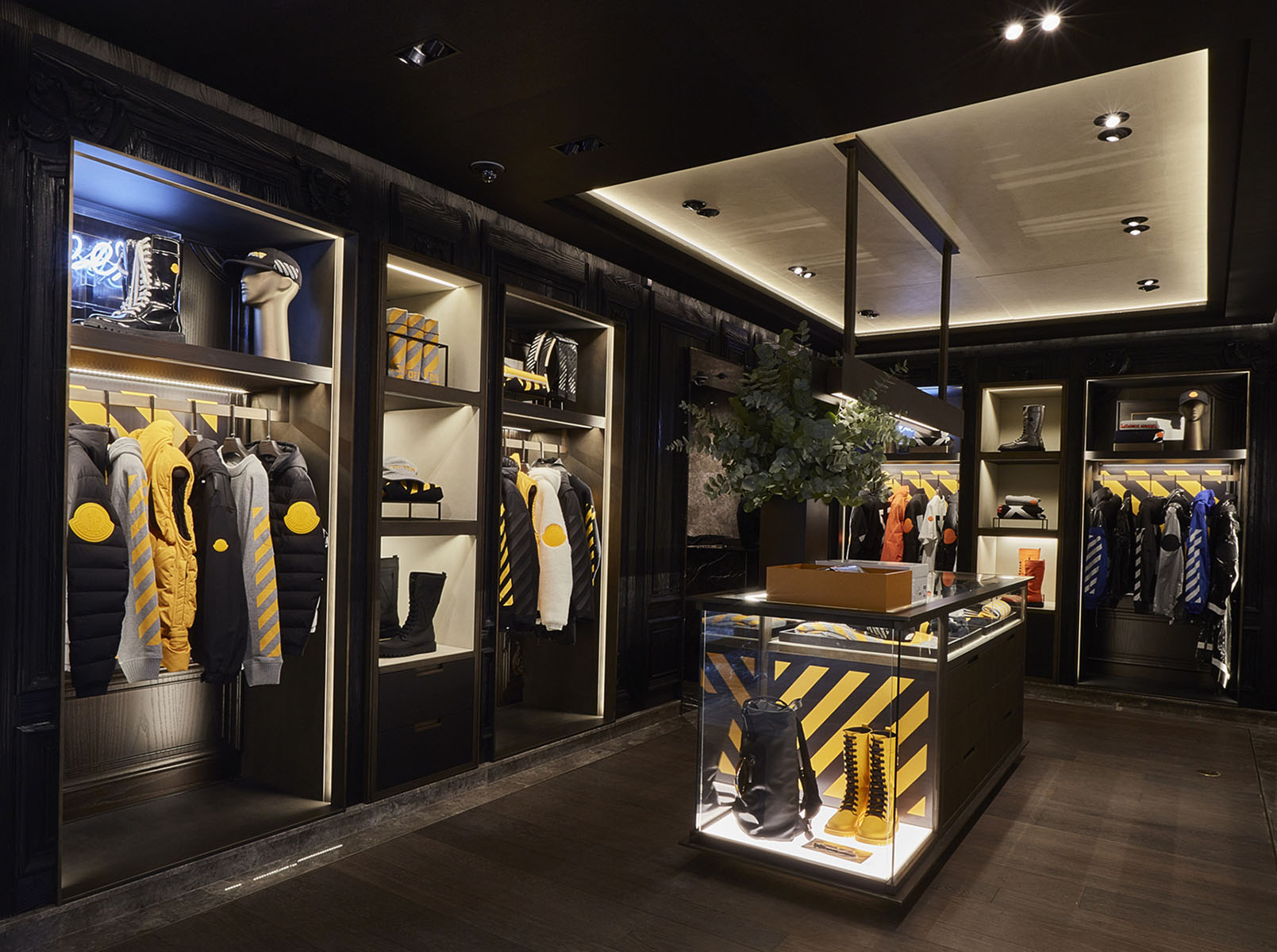 moncler-seoul-boutique-set-up-2