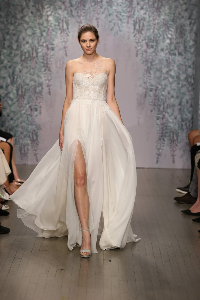 Monique Lhuillier Fall 2016, October 2015, New York