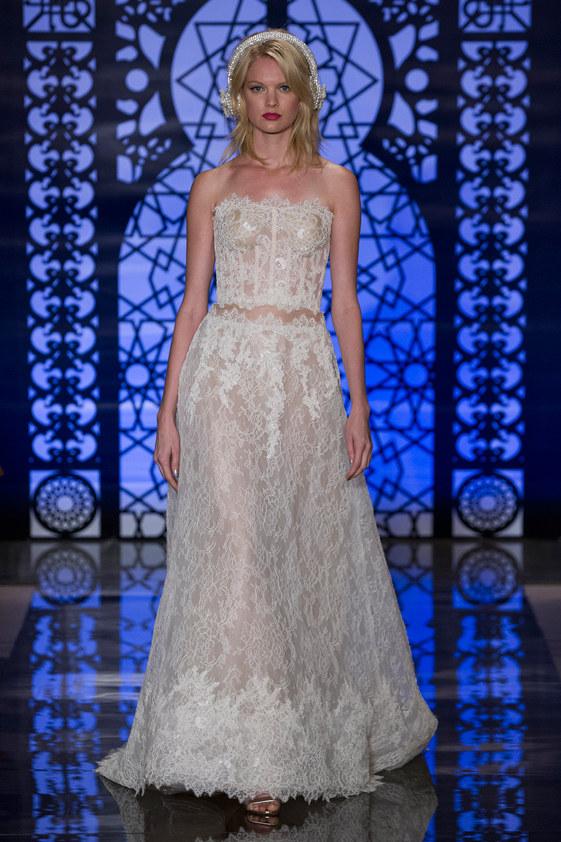 Reem-Acra-fall-2016-bridal-fashion-show-the-impression-03