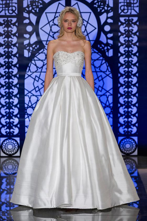 Reem-Acra-fall-2016-bridal-fashion-show-the-impression-14