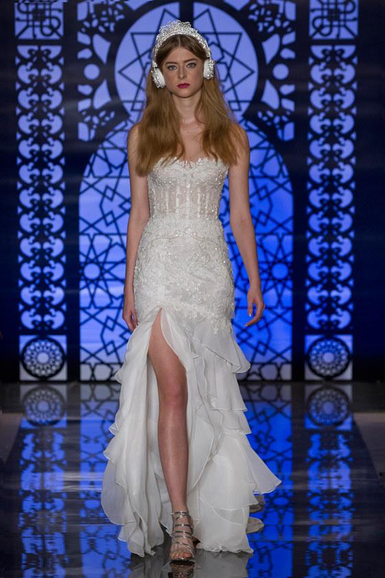 Reem-Acra-fall-2016-bridal-fashion-show-the-impression-22