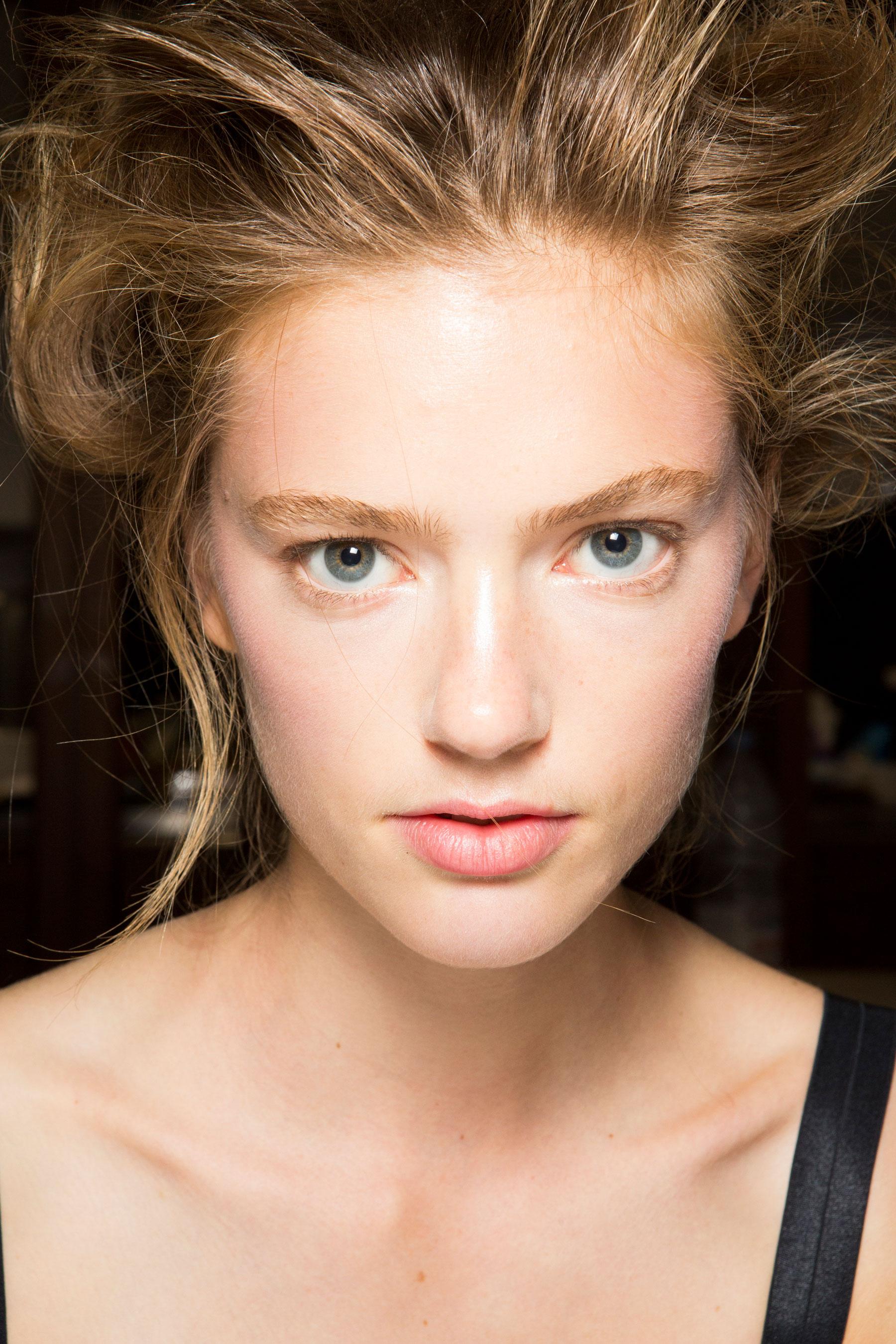 SIMONE-ROCHA-beauty-spring-2016-fashion-show-the-impression-048