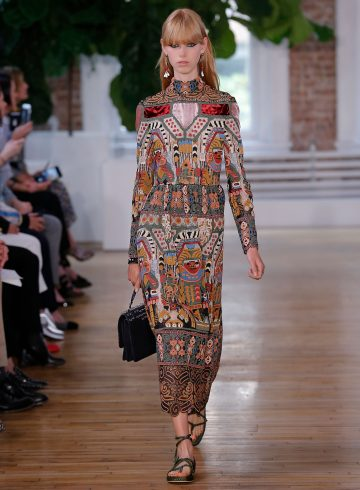 Valentino Resort 2018 Fashion Show