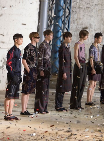 dries van noten spring 2016 mens fashion show photo