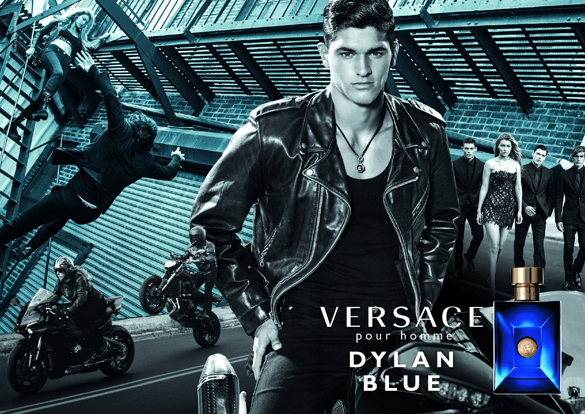 Versace-Dylan-Blue-Fragrance-ad-campaign-fall-2016-the-impression-01