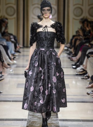 Giorgio Armani Prive Fall 2017 Couture Fashion Show