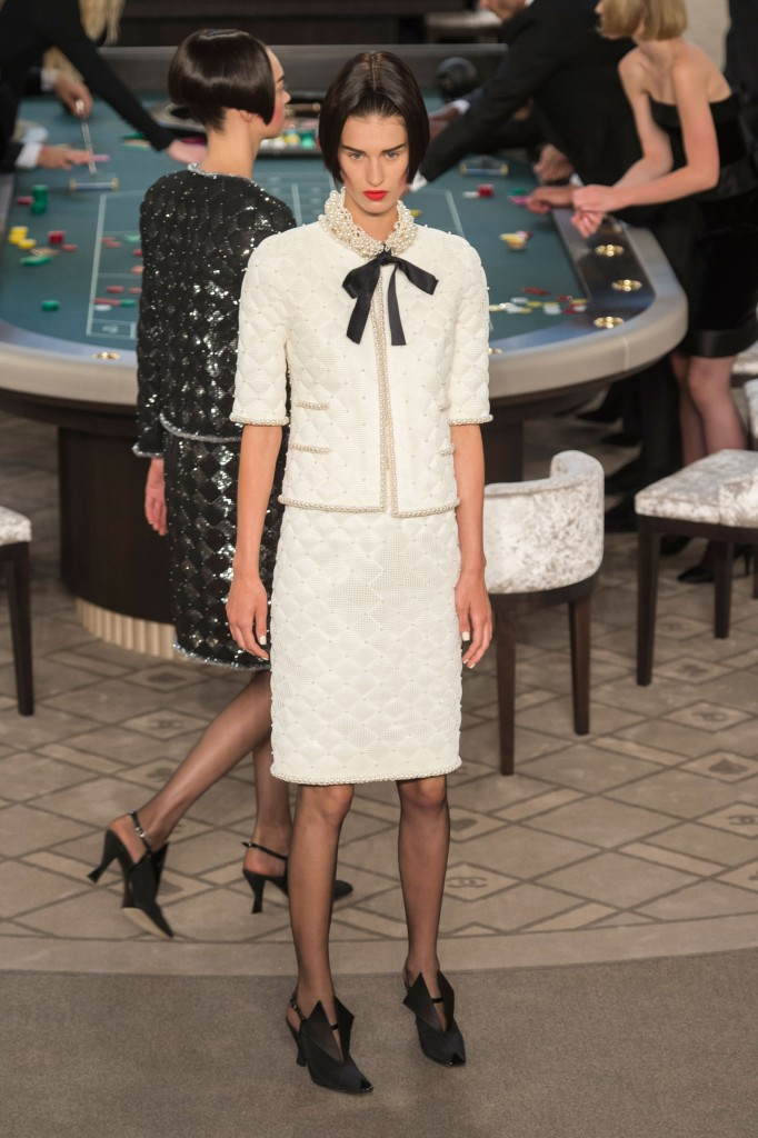 chanel-fall-2015-couture-show-the-impression-002