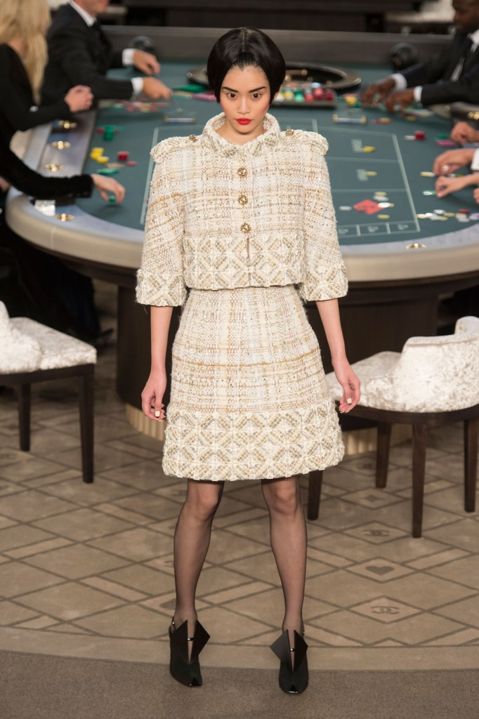 chanel-fall-2015-couture-show-the-impression-011