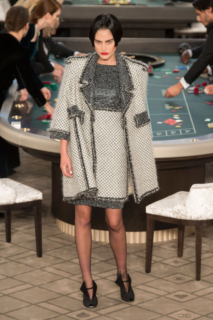 chanel-fall-2015-couture-show-the-impression-024