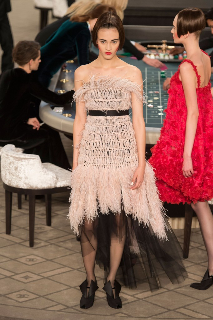 chanel-fall-2015-couture-show-the-impression-045
