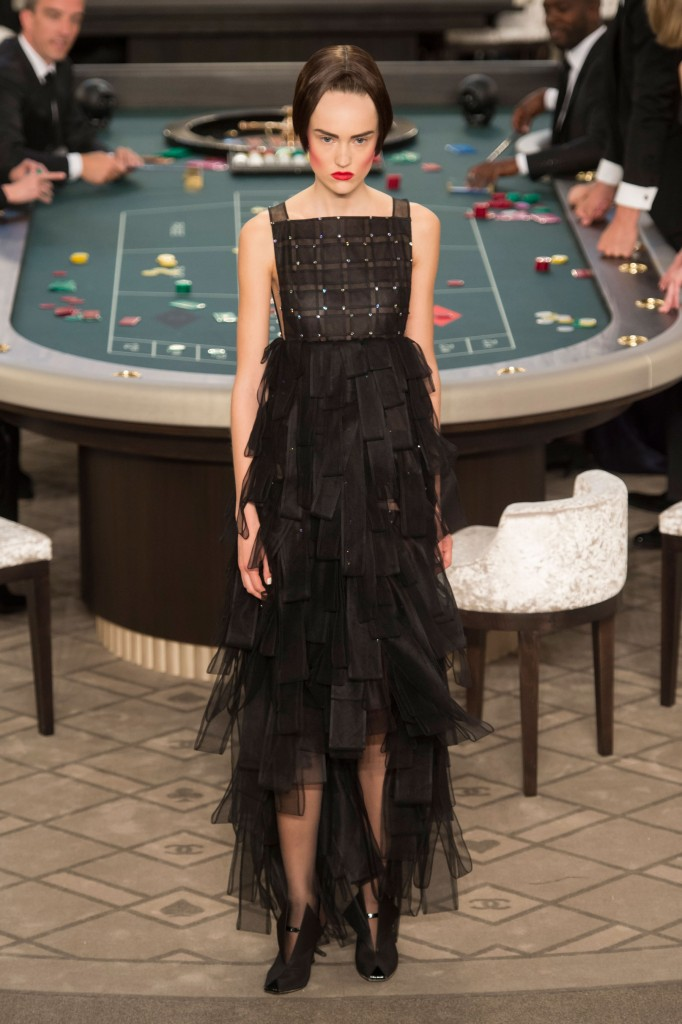 chanel-fall-2015-couture-show-the-impression-060