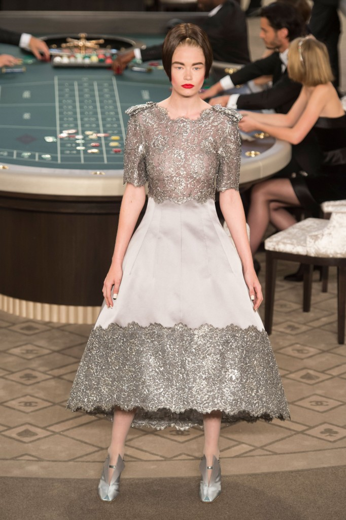 chanel-fall-2015-couture-show-the-impression-066