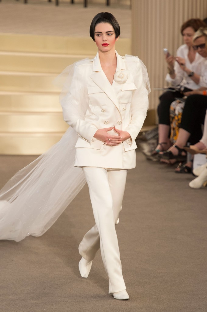 chanel-fall-2015-couture-show-the-impression-067
