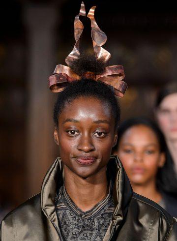 Edward Crutchley Spring 2018 Fashion Show Details