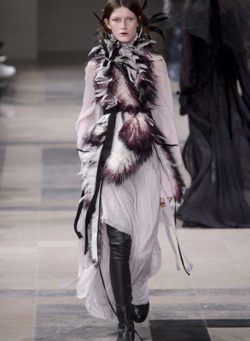 Ann Demeulemeester Fall 2017 Fashion Show