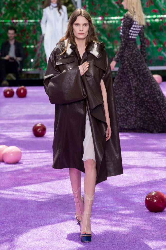 dior-fall-2015-couture-the-impression-023