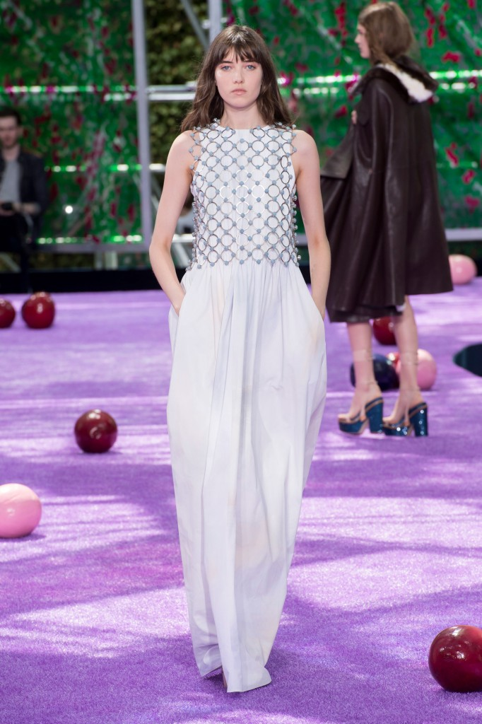 dior-fall-2015-couture-the-impression-025