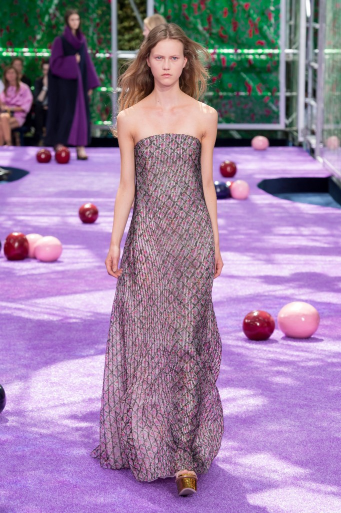 dior-fall-2015-couture-the-impression-048