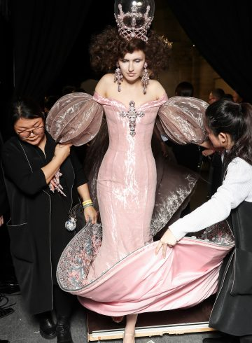 Guo Pei Spring 2017 Couture Fashion Show Backstage
