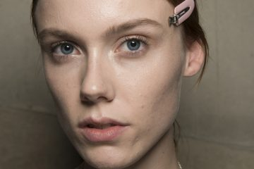 Christopher Kane Spring 2018 Fashion Show Backstage Beauty