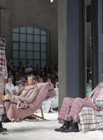 Moncler Gamme Bleu Spring 2018 Men's Fashion Show Atmosphere