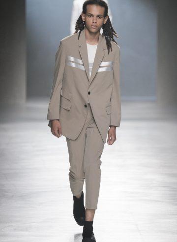 Neil Barrett Spring 2018 Men's Fashion Show