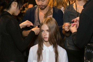 Tommy Hilfiger spring 2016 backstage beauty photo