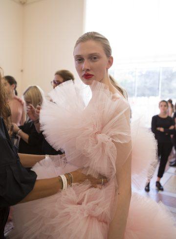 Giambattista Valli Fall 2017 Couture Fashion Show Backstage